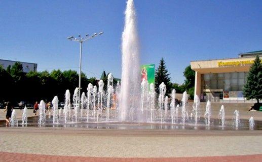 Фонтан на центральной площади в Ессентуках  фото