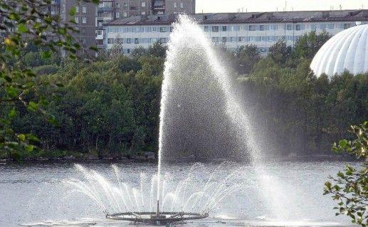Фонтан на Семёновском озере фотография