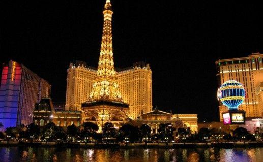 Эйфелева башня в Лас-Вегасе фото