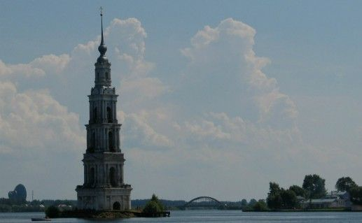 Фотография колокольня Николаевского собора в Калязине