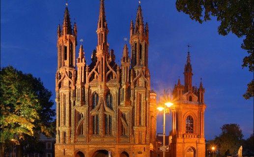 Костёл святой Анны в Литве фото