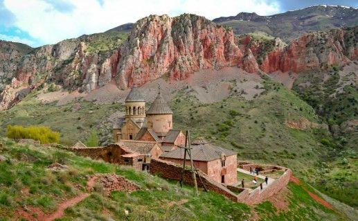 Фото монастырь Нораванк в Армении