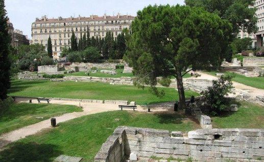 Фото сад руин в Марселе