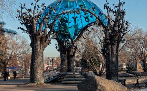 Скульптурная композиция «Сфера любви» в Челябинске фото