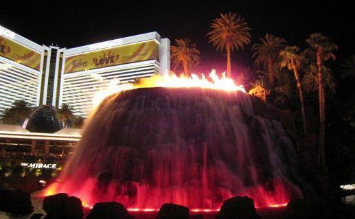 Вулкан отеля «Mirage» в Лас-Вегас фото