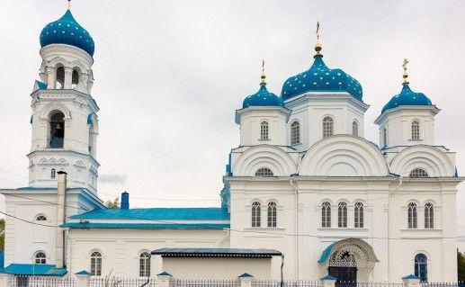 Храм Михаила Архангела в городе Торжке фотография