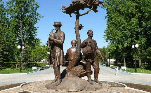 Скульптура «Древо жизни» фотография