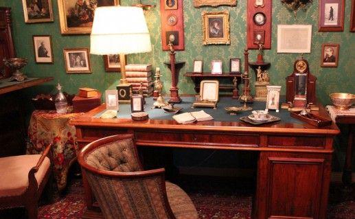 фото интерьера дома-музея Лескова в Орле