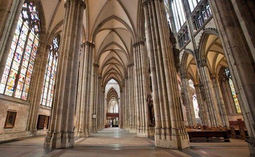 фотография Кельнского собора изнутри
