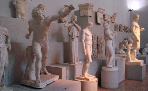 Общественный музей археологии в Болонье фотография