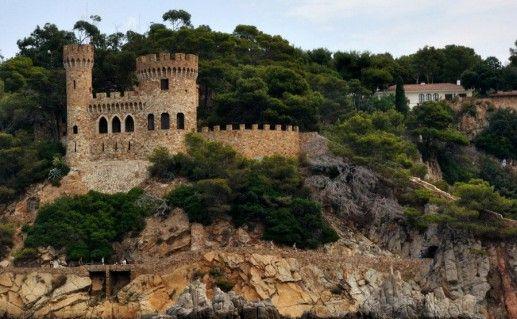 замок Сант Жоан в Ллорет-де-Мар фотография
