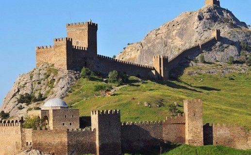 фото Генуэзской крепости в Судаке