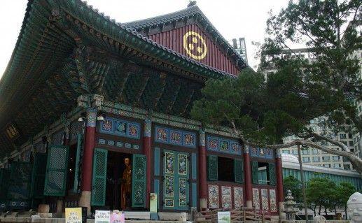 фотография храма Чогеса в Сеуле