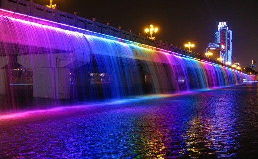 фотография моста Фонтан радуги в Сеуле