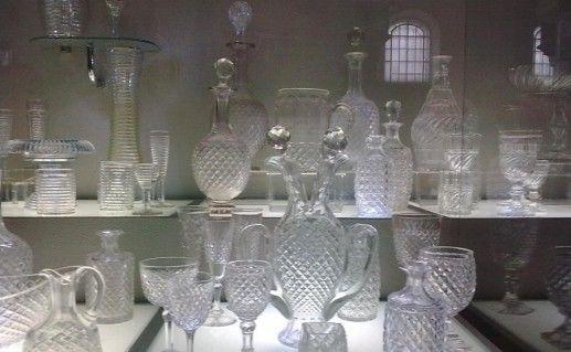фото экспонатов музея хрусталя в Гусь-Хрустальном
