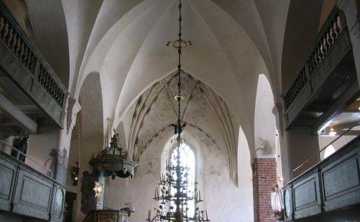фотография вида собора в Порвоо изнутри