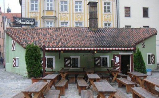 историческая колбасная кухня в Регенсбурге фото