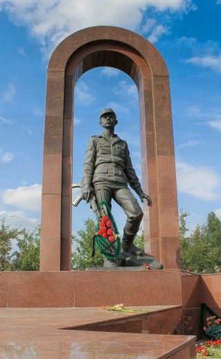 памятник интернационалистам в Красноярске фото
