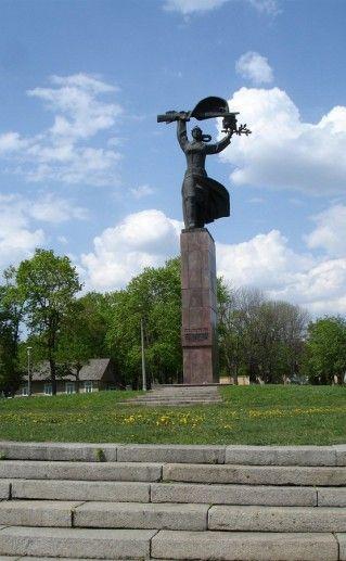 фото памятника героям гражданской войны в Орле