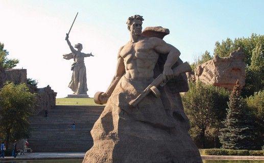 памятник Героям сталинградской битвы в волгограде фото