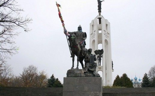 памятник к 1000-летию Брянска фотография