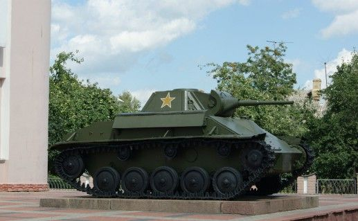 памятник погибшим танкистам в Орле фотография