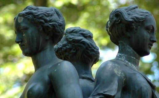 фото скульптуры в Верхнем парке Ораниенбаума