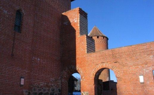 фотографии стен Турайдского замка в Сигулде