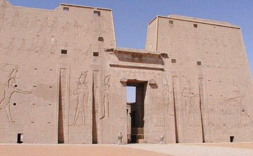 фотография храма Хора в Египте
