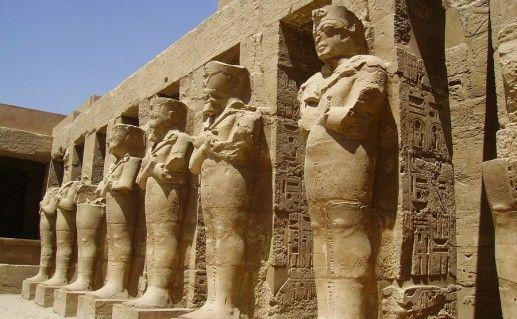 фотография древнеегипетского храма Карнак