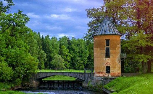 Пиль-башня в Павловске фотография