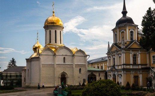церковь Рождества Иоанна Предтечи на Подоле в Киеве фото