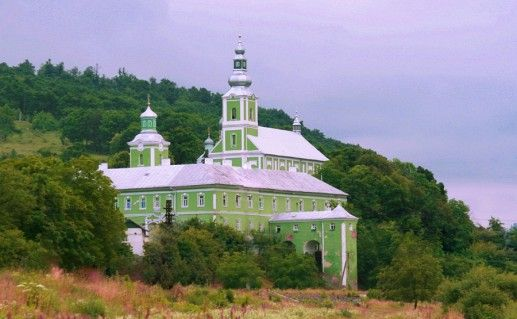 фото Свято-Николаевского монастыря в Мукачево