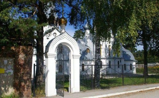 фото входа в церковь Николая Чудотворца в Новосибирске