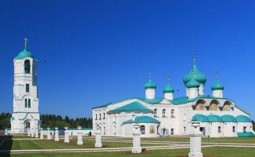 фото вида на Александро-Свирский монастырь в Ленинградской области