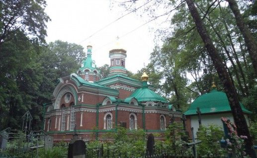 вид на церковь Александра Невского в Минске