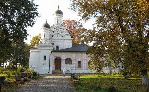 вид на хорошевскую церковь Троицы Живоначальной фото
