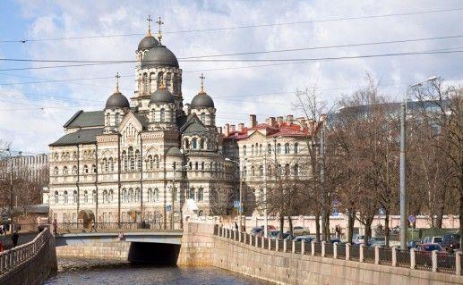 вид на Иоанновский монастырь в Санкт-Петербурге фото