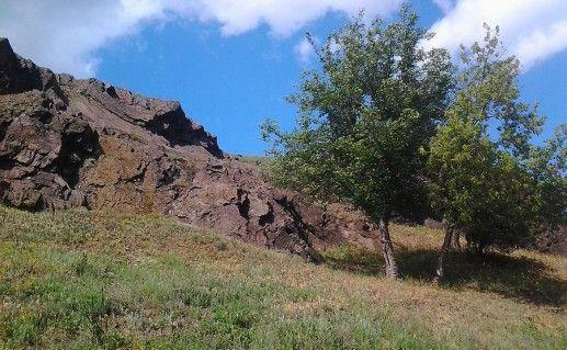 фото вида на скалы МОПРа в Кривом Роге