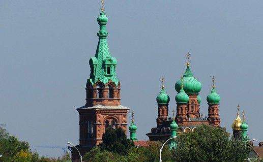 фотография вида на собор Троицы Живоначальной в Краснодаре