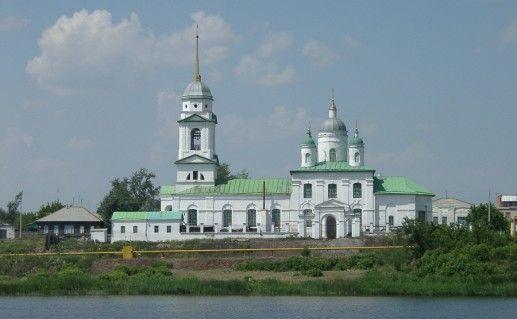 фото вида на Уйский Свято-Троицкий собор