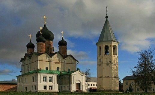 Зеленецкий Троицкий монастырь в Ленинградской области фото