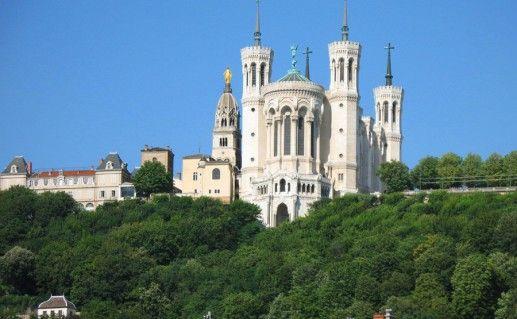фотография базилики Нотр-дам-де-Фурвьер в Лионе