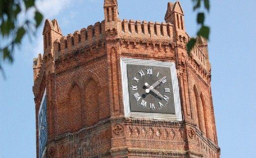 Часовая башня в Ельце фото