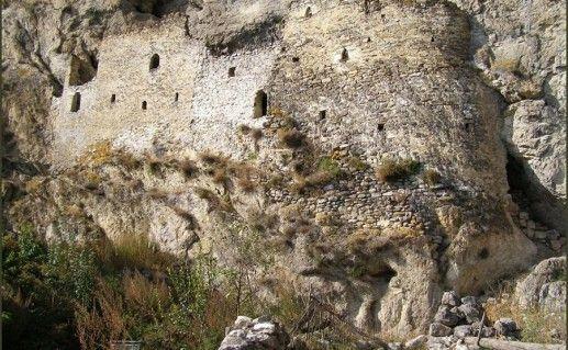 Дзивгисская крепость во Владикавказе фотография
