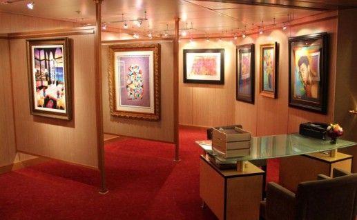 экспозиция картинной галереи Республики Адыгея фото