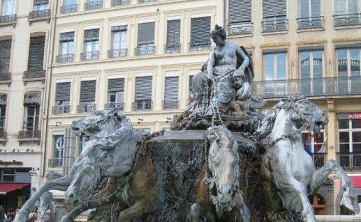 фотография фонтана Бартольди в Лионе