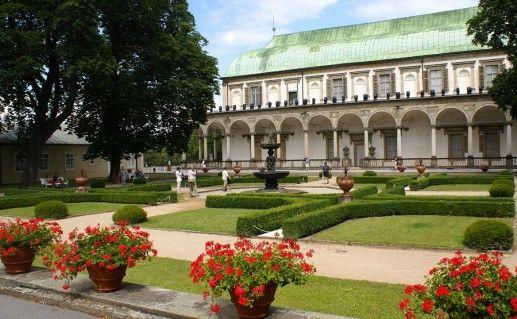 фотография Летнего дворца королевы Анны в Праге