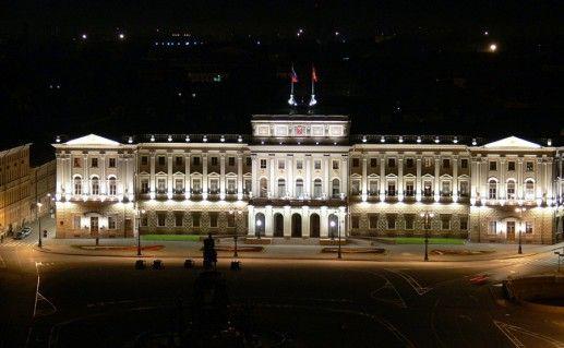ночной вид Мариинского петербургского дворца фото
