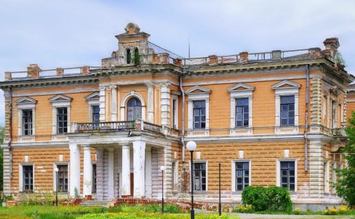 фотография замка Лещинских в Польше